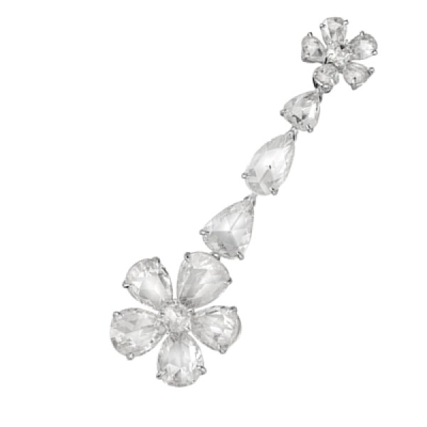 Éclat Sauvage presenta su nueva colección de diamantes con cortes diferentes a los habituales. Este anillo presenta el corte Rose Cut, un corte antiguo utilizado desde mediados del siglo XVI donde solamente se cortaban las caras exteriores de una piedra.