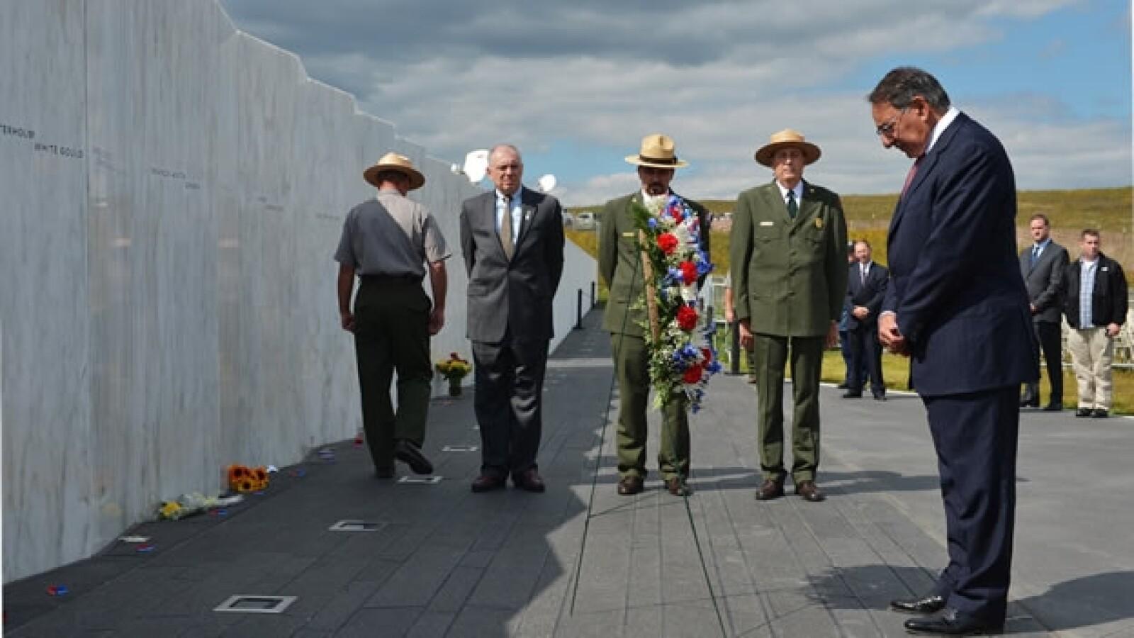 Leon Panetta dirige un homenaje en el memorial a las victimas del 11S en Pennsylvania