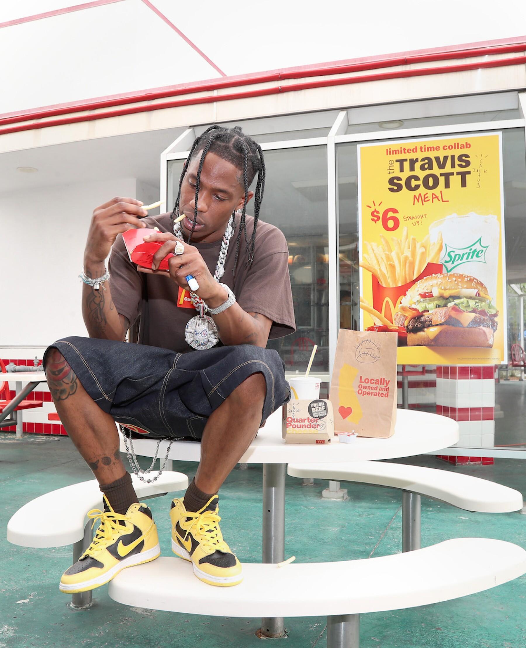 Travis Scott provocó un caos total al presentarse en un McDonald's
