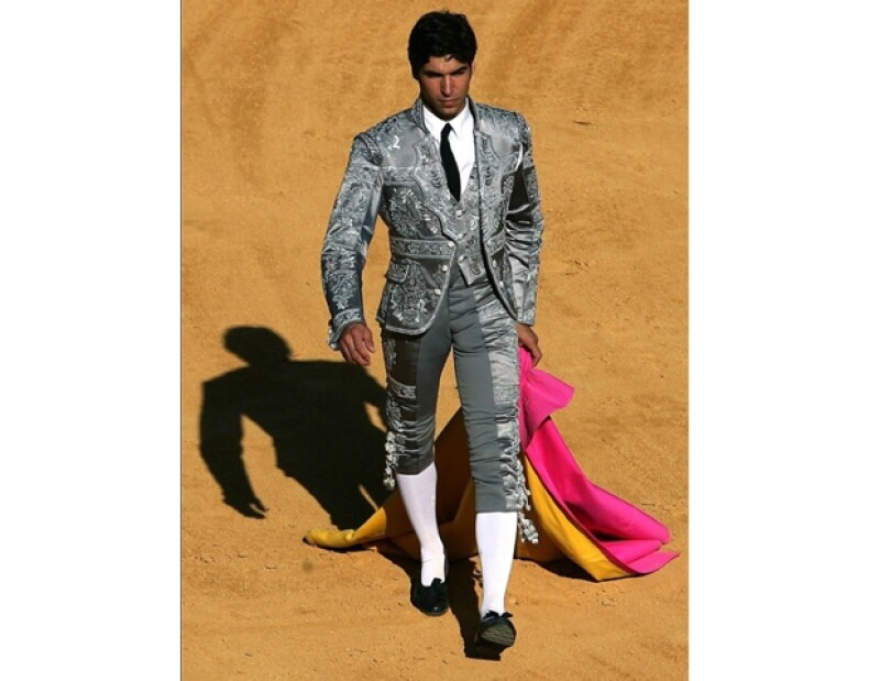 Cayetano Rivera en un diseño exclusivo de Armani.