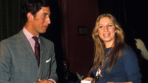 Barbra Streisand y el príncipe Carlos