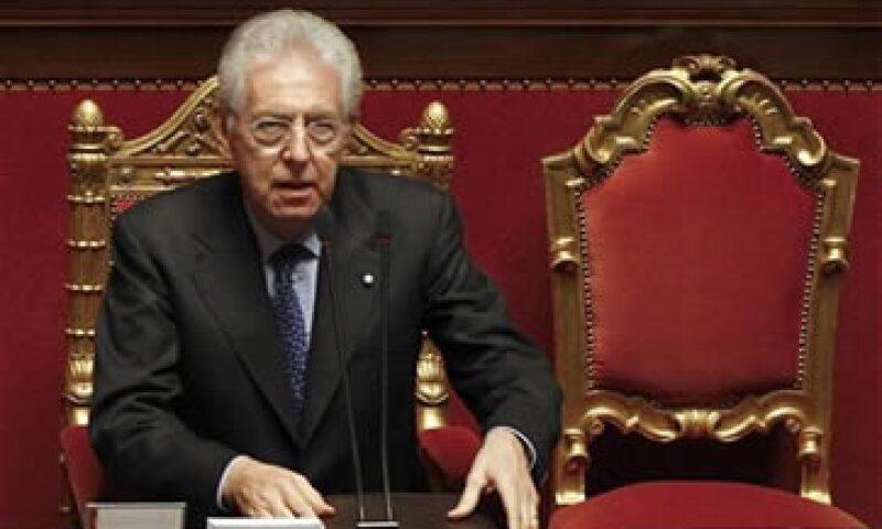 Fitch llamó al Gobierno de Mario Monti a impulsar el crecimiento económico a mediano plazo. (Foto: Reuters)