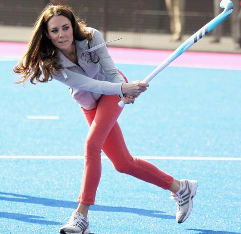 Kate usó la sudadera oficial de los Juegos Olímpicos de Londres 2012.