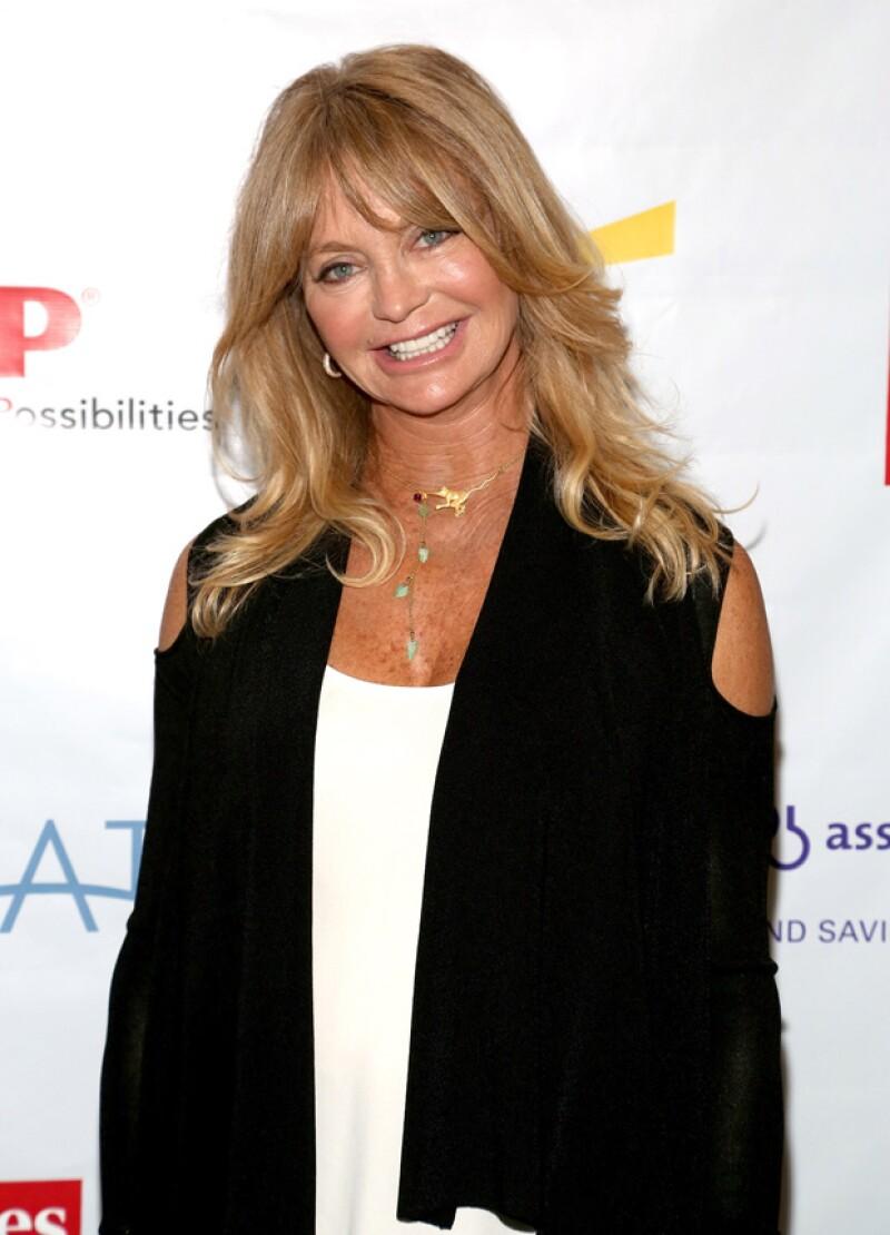 El actor asegura que todo fue culpa de que su asistente se quedara encerrado en el baño y también de Goldie Hawn, quien le dio mal las instrucciones. ¿Será?