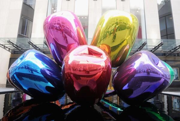 """Jeff Koons """"Tulips"""" Photo Call"""