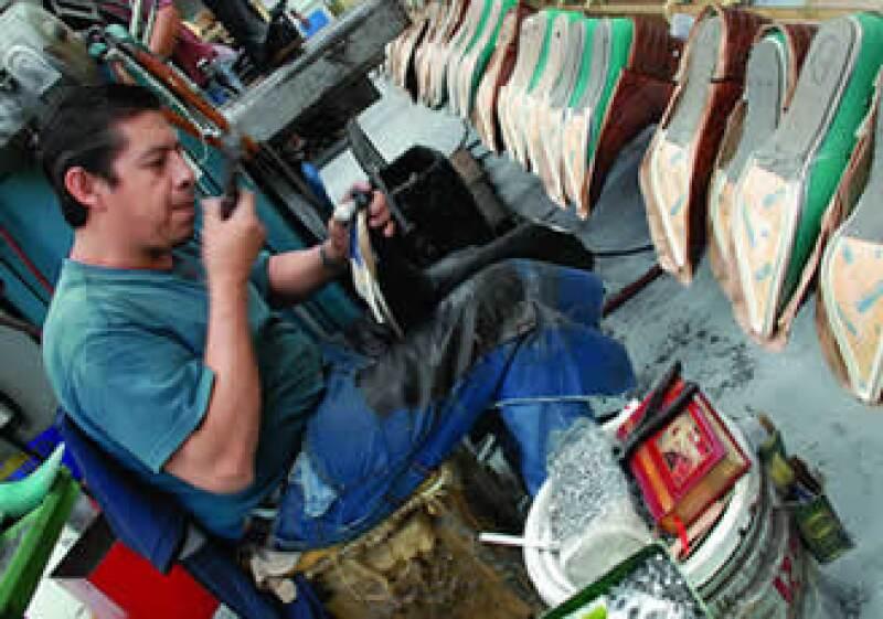 Los productores mexicanos venden cada par en un precio de 80 a 500 pesos a Grupo Inditex. (Foto: Agustín Martínez)