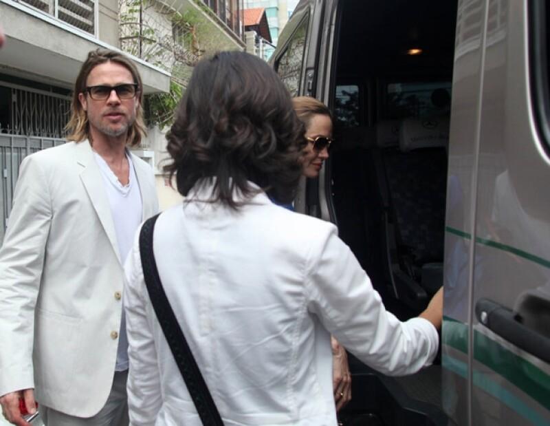 Brad Pitt no se separa de su amada pareja, Angelina, y de su queridos hijos.