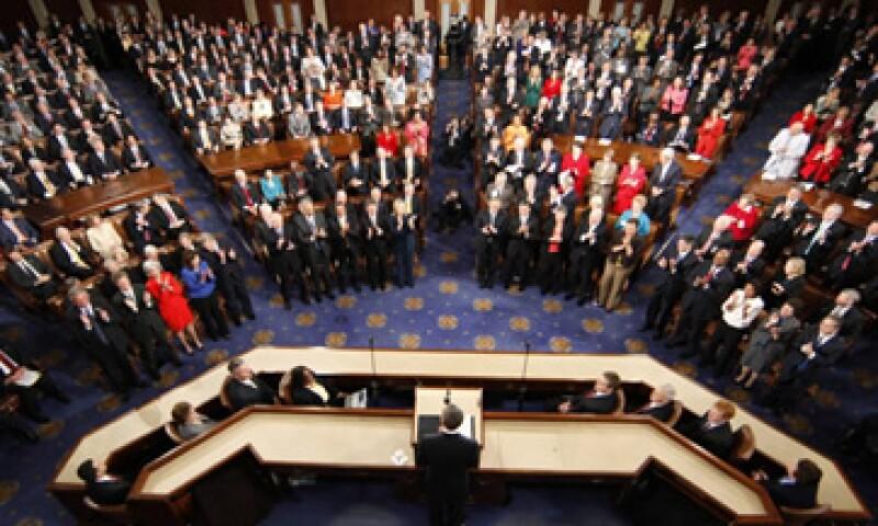 Alrededor de ocho de cada 10 estadounidenses desaprueban la actuación legislativa tras la reciente crisis del tercer trimestre en torno a la deuda del país. (Foto: Reuters)