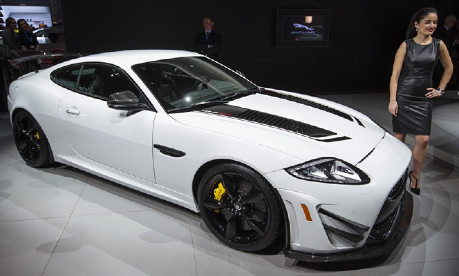 El Jaguar XJ RS GT es otro de los vehículos presentados en el Salón Internacional del Automóvil de Nueva York..
