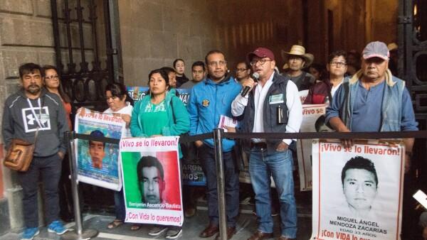 Ayotzinapa_Palacio_Nacional-4.jpg