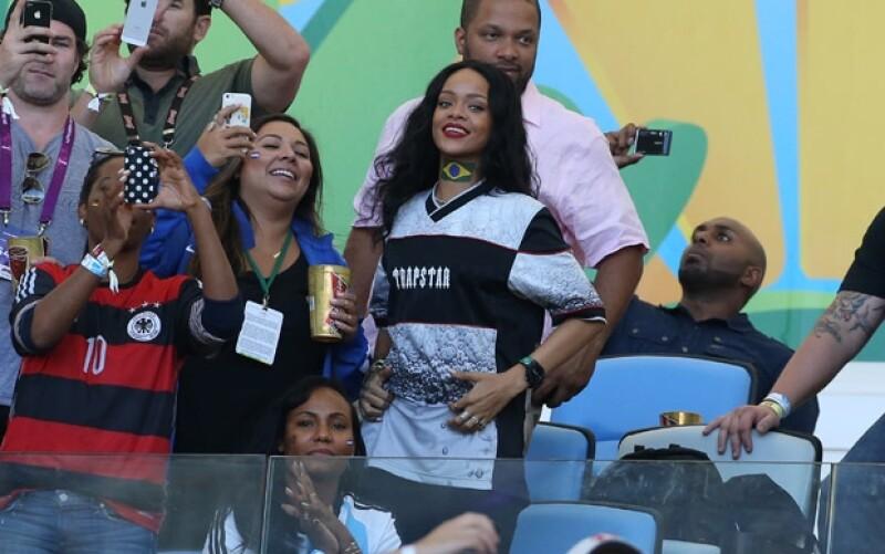 La barbadense llegó a Río de Janeiro este fin de semana y desde entonces no ha parado de mostrar su irreverente actitud.