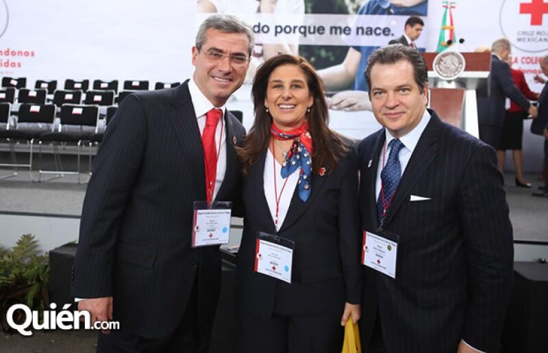 Alejandro Pérez Teuffer, Teresa Pérez Teuffern y Miguel Alemán Magnani.