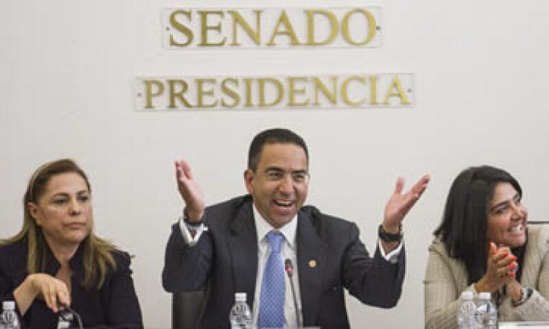 La propuesta del senador Lozano elimina la posibilidad de bloquear señales en eventos. (Foto: Cuartoscuro)