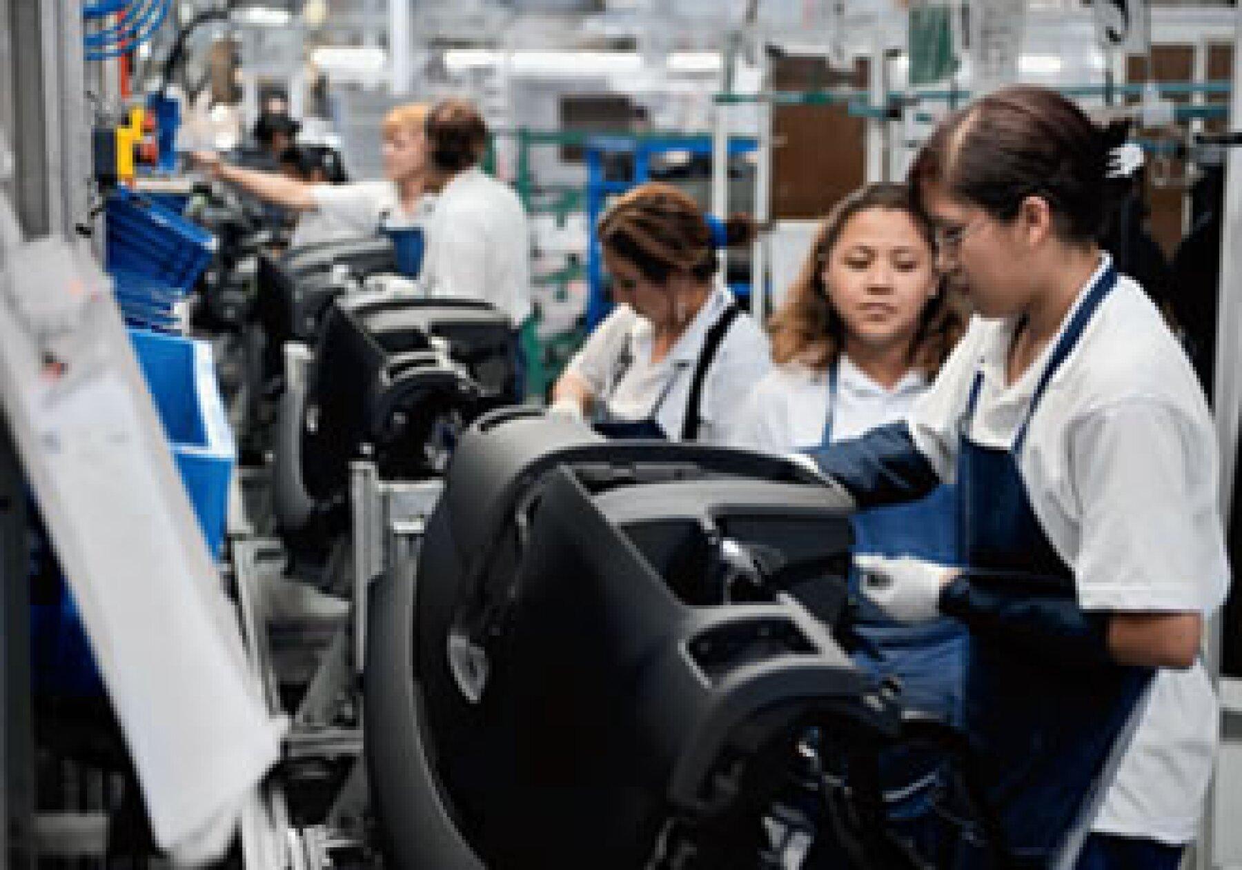 La industria automotriz crece favorablemente después de la estrepitosa caída del año anterior. (Foto: Archivo Manufactura)