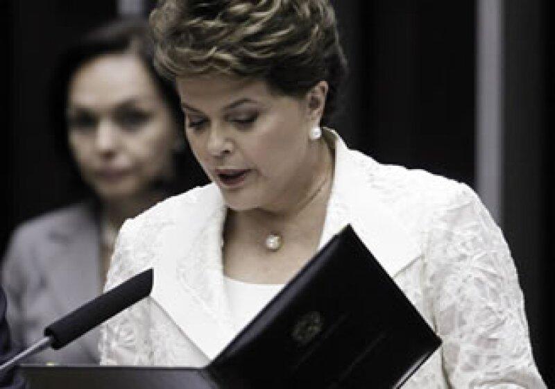 Dilma Rousseff es la primera mujer en llegar a ser presidenta de Brasil. (Foto: Reuters)