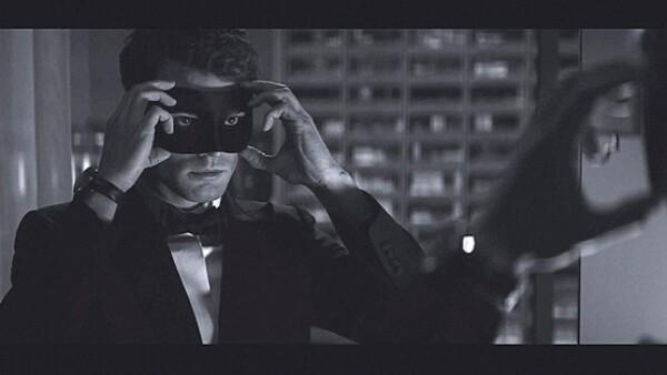 La imagen del primer sneak peek de Mr. Grey para la secuela del bestseller de E.L. James ha inundado sitios de internet y redes sociales.