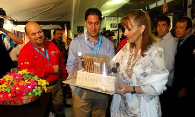Gloria Guevara, secretaria de Turismo, reconoció que Acapulco puso a México dentro del mapa turístico con las primeras ediciones del evento.   (Foto: Notimex)