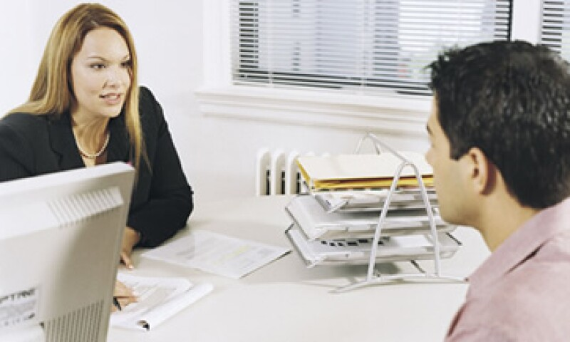 Los expertos recomiendan buscar las palabras clave de la vacante y utilizarlas en la redacción del currículo. (Foto: Thinkstock)