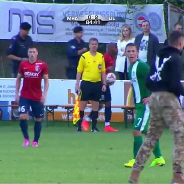 asistentes propalestinos saltaron a la cancha donde jugaba el club israelí Maccabi Haifa contra el Lille en partido amistoso en Austria y golpearon a los jugadores
