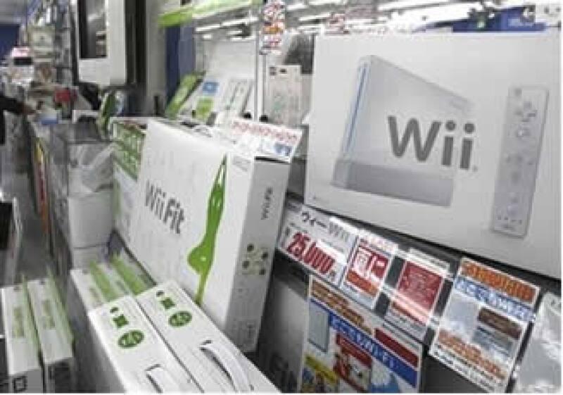 Nintendo señaló que reducirá en 50 dólares el precio de la Wii en Estados Unidos, a 199.99 dólares a partir del domingo. (Foto: AP)