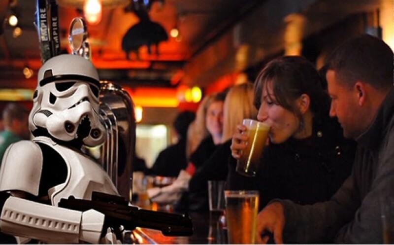 Lucas Film dice que el nombre de la cerveza podría hacer que la gente crea que Star Wars está relacionada con esa bebida. (Foto: tomada de CNNMoney.com )