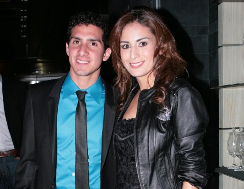 Rommel Pacheco y Paola Espinosa estuvieron juntos en la reciente cena que Versace le organizó a la clavadista.