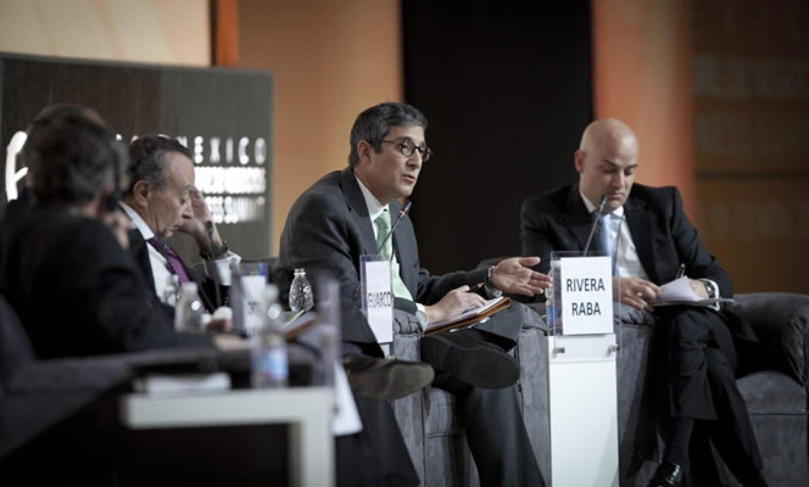 Otro de los participantes en la primera sesión fue Manuel Rivera (der) director general de Grupo Expansión.