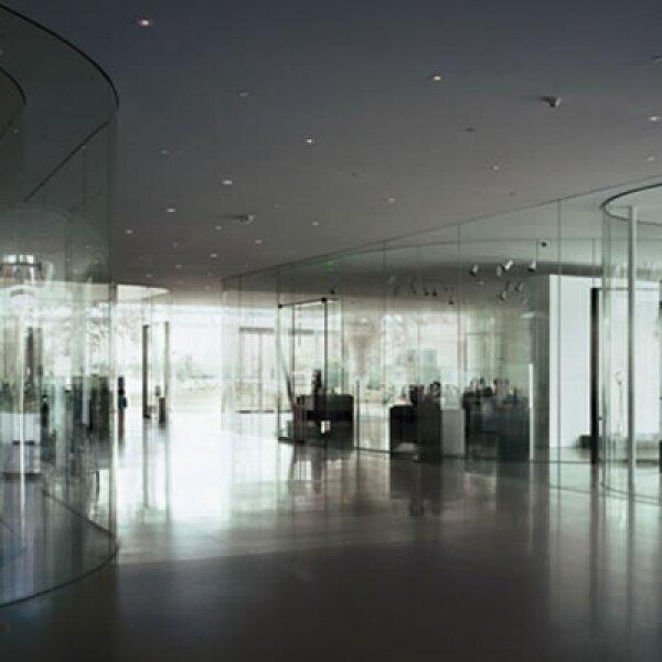 El Glass Pavillion, en el Toledo Museum of Art, en Ohio, es uno más de los edificios en los que los ventanales permiten tener vistas distintas a medida que se recorren las exposiciones.