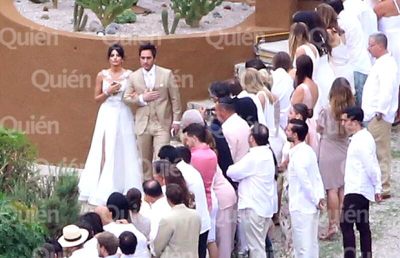 Captamos en exclusiva a Aislinn Derbez y Mauricio Ochmann durante su boda en Tepoztlán.