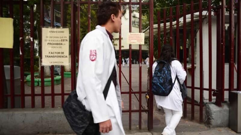 Las escuelas de medicina del Instituto Politécnico Nacional reanudaron clases este lunes por la huelga de más de 2 meses