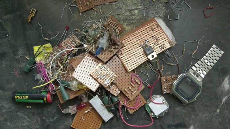 bomba al qaeda reloj explosivo