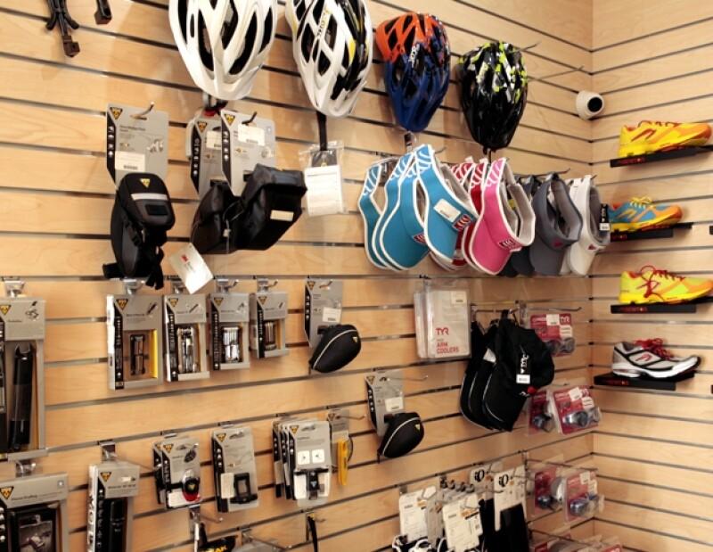 Guillermo Sesma y Regina Seemann motivados por su afición al ciclismo inauguraron una tienda especializada llamada Bikes DF, en el corazón de Polanco.