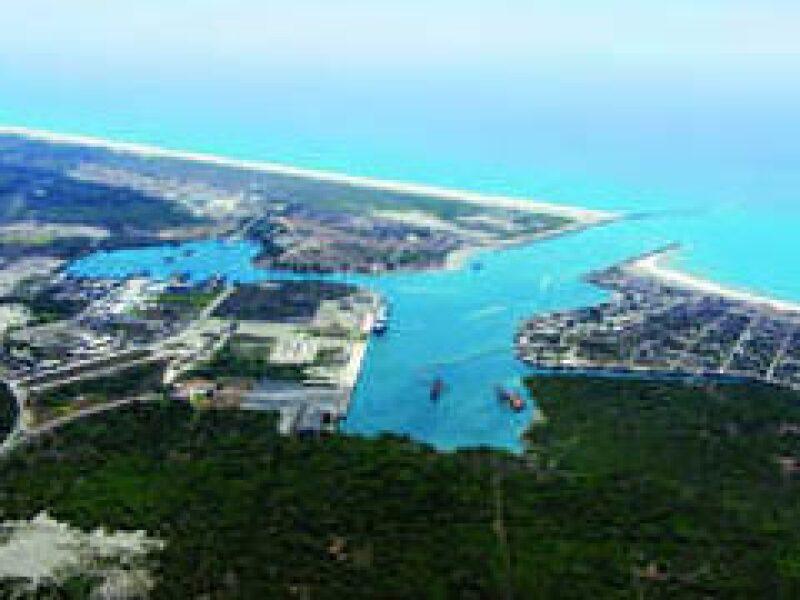 El puerto de carga Punta Colonet, en la costa del Pacífico, costaría unos 5,000 millones de dólares. (Foto: Archivo)