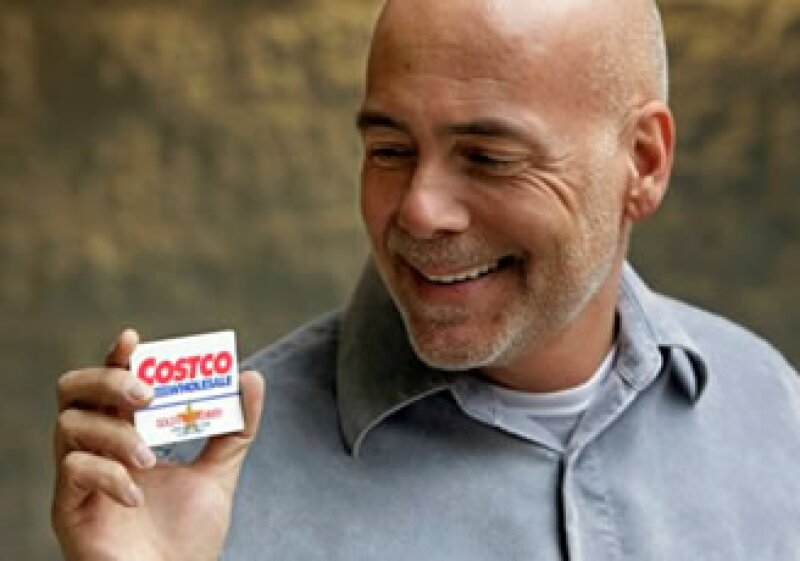 Las tarjetas de compras se entregan a cambio de descuentos y son utilizadas para infundir la lealtad de los consumidores. (Foto: AP)