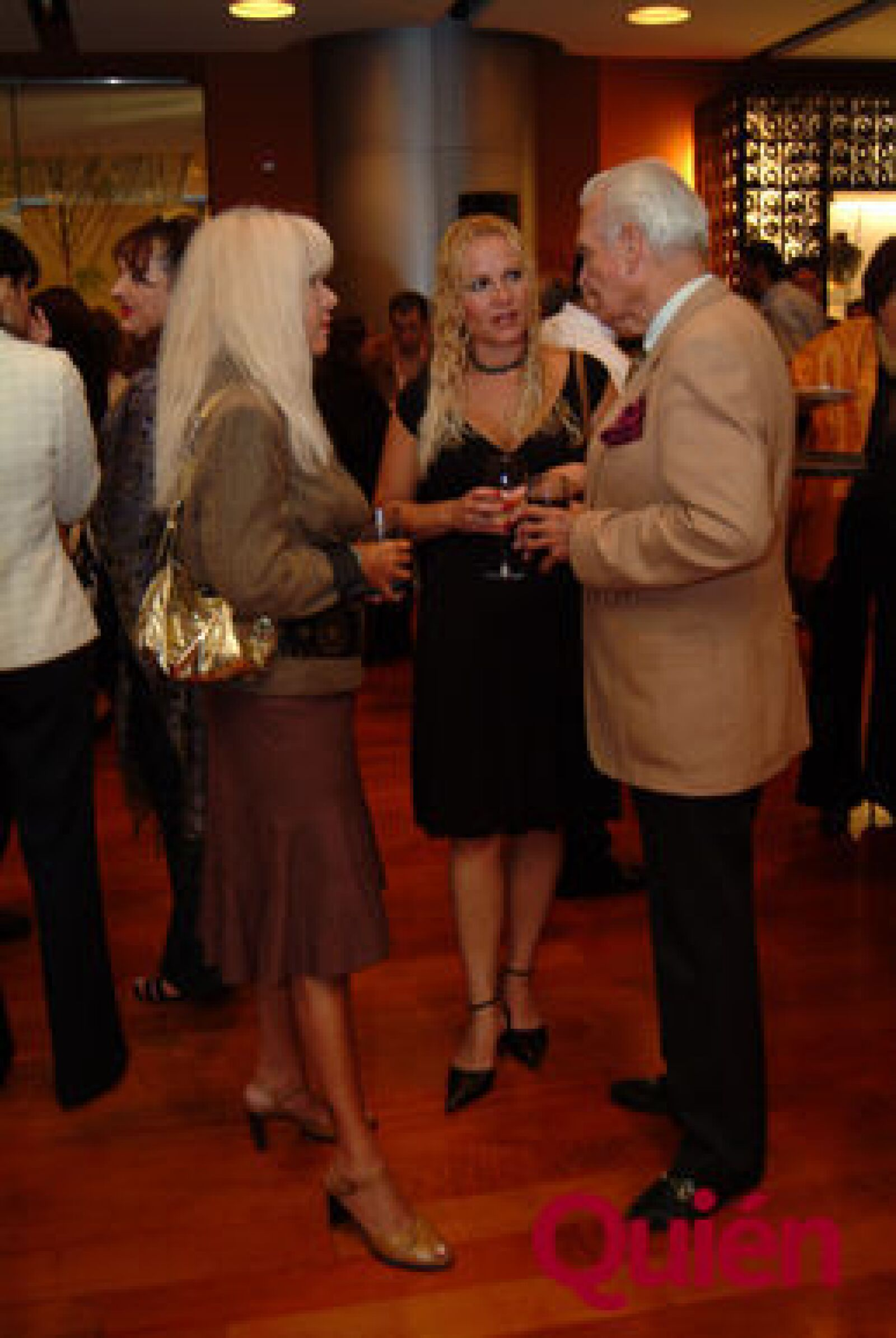 Terry Santa Ancargelo, Leila Miles, David Guijarro