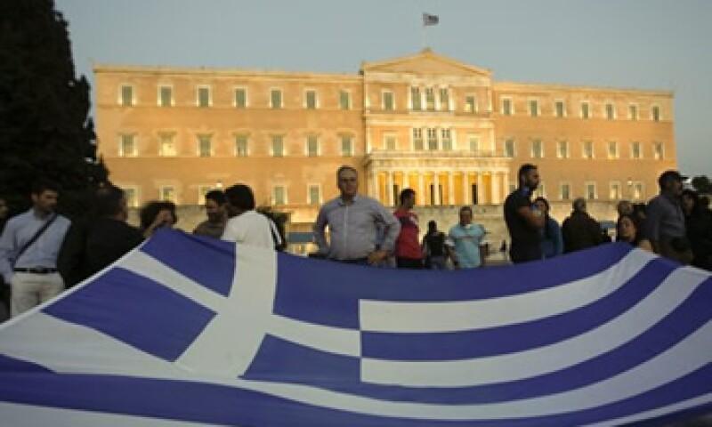 Grecia está atrapada en una profunda recesión y lucha por evitar una moratoria de pagos.  (Foto: Reuters)