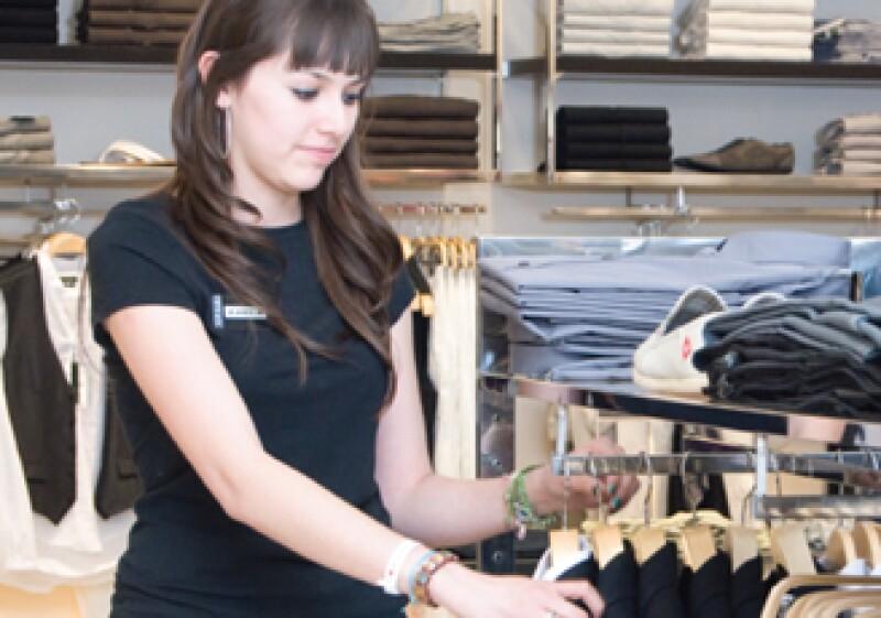 Inditex cuenta con un equipo de desarrolladores que asiste a las semanas de la moda y escoge las últimas tendencias de temporada para fabricar la mercancía a bajos costos. (Foto: Ramón Sánchez Belmont)