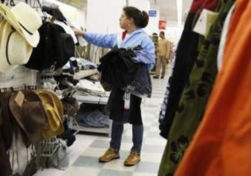 El medidor del Conference sobre las expectativas de los consumidores bajó en septiembre a 65.4 desde 72 del mes anterior.  (Foto: Reuters)