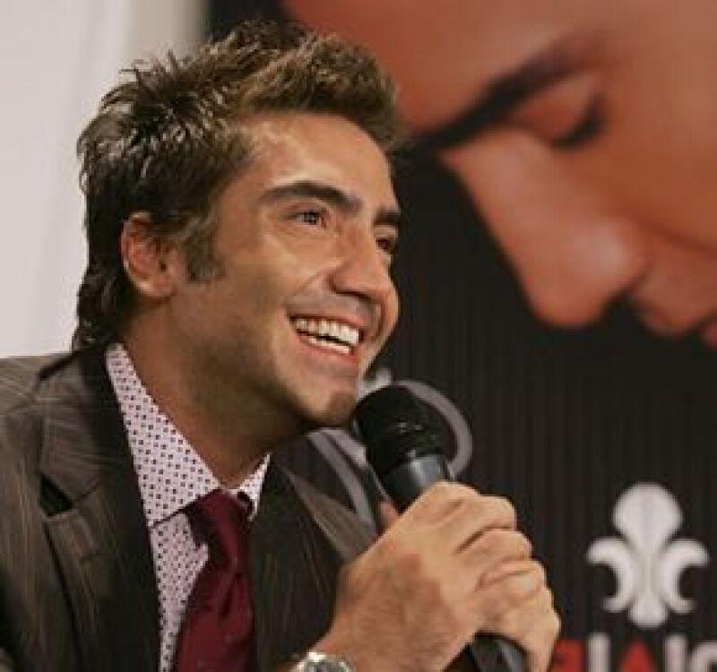 El cantante está interesado en tener un papel pequeño en la telenovela 'Mañana es para siempre&#39.