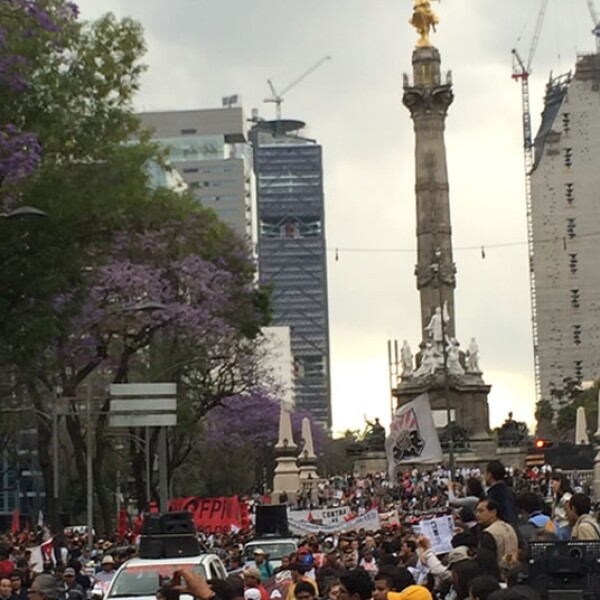 Ayotzinapa_marcha_6meses_1