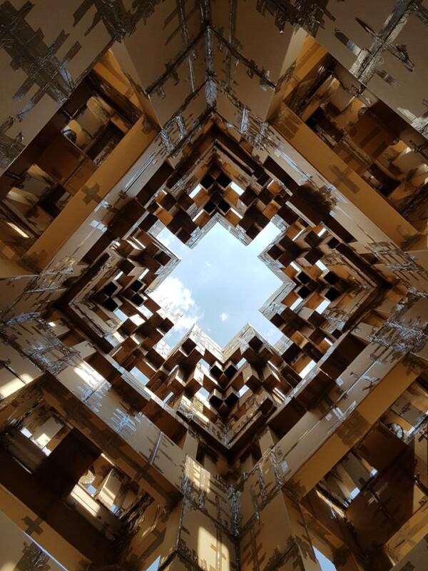pirámide de cartón