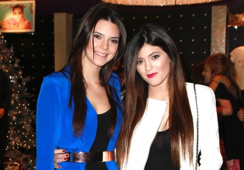 Kendall y Kylie Jenner tiene 17 y 15 años respectivamente.