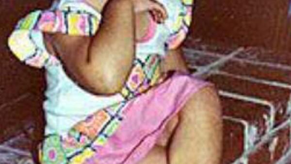 Vanessa Anna Hudgens nació el 14 de diciembre de 1988 en Salinas, California.