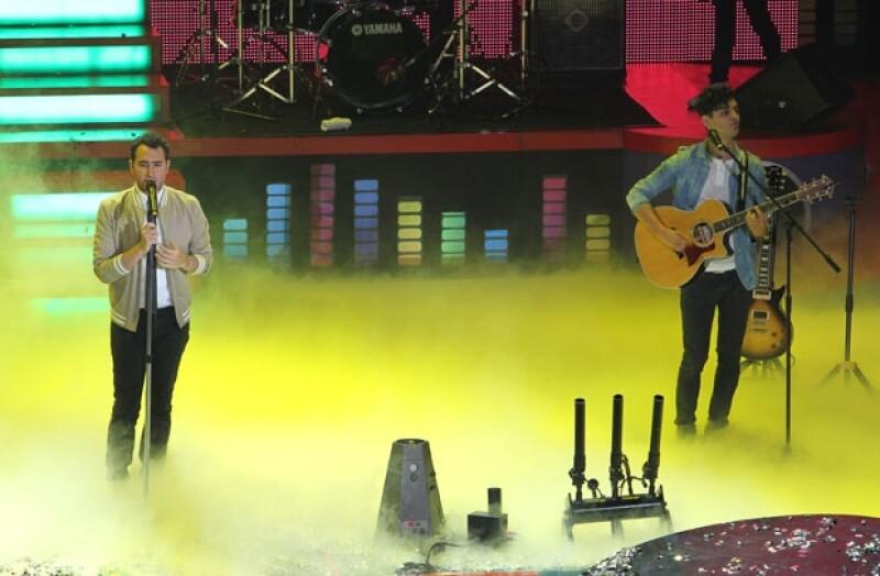 Eiza González, Danna Paola, Jaime Camil y la banda Big Time Rush fueron algunos de los famosos que vivieron en grande esta divertida fiesta de slime.