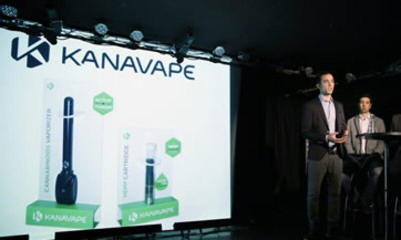 Según la empresa, se trata del primer vaporizador con cannabinoides 100% legal. (Foto: AFP )