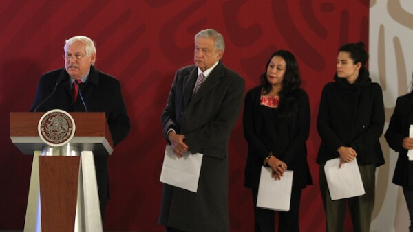 Víctor Villalobos, titular de Sader, y el presidente Andrés Manuel López Obrador