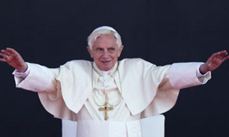 El Papa Benedicto XVI llamó a los mexicanos a no dejarse amedrentar por el mal y a fortalecer sus raíces cristianas. (Foto: AP)