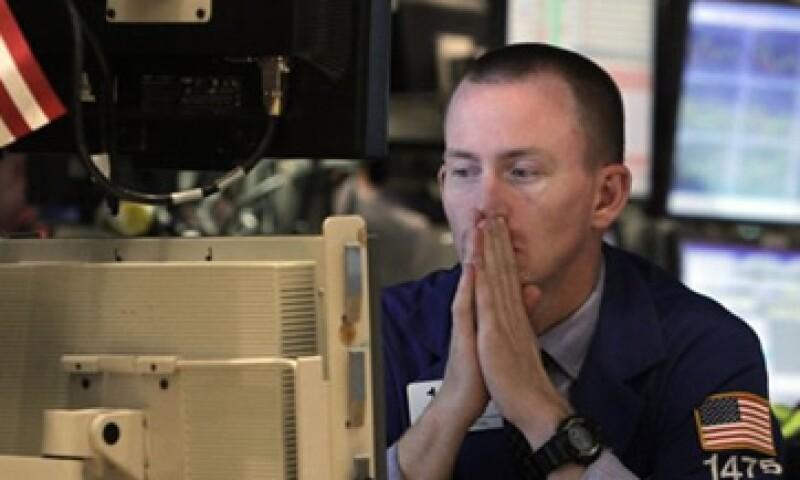 Débiles cifras económicas de EU afectaron a los mercados. (Foto: AP)