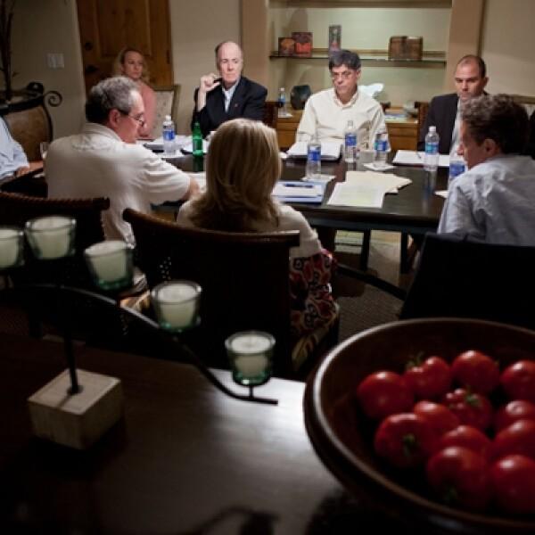 El presidente Vladimir Putin de Rusia, también visitó el resort para una sesión informativa con Obama.