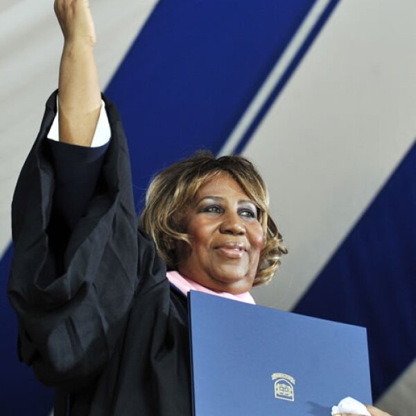 Pueden llamarle a Aretha Franklin, doctora en música, ya que se graduó en Berklee College of Music en 2006.
